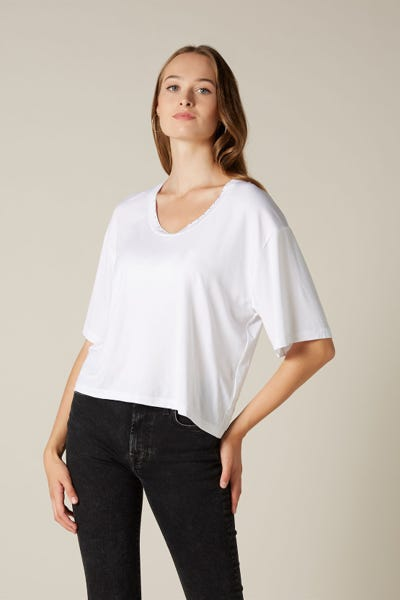 U-NECK TEE LYOCELL ELASTANE WHITE MINI STUDS NECK