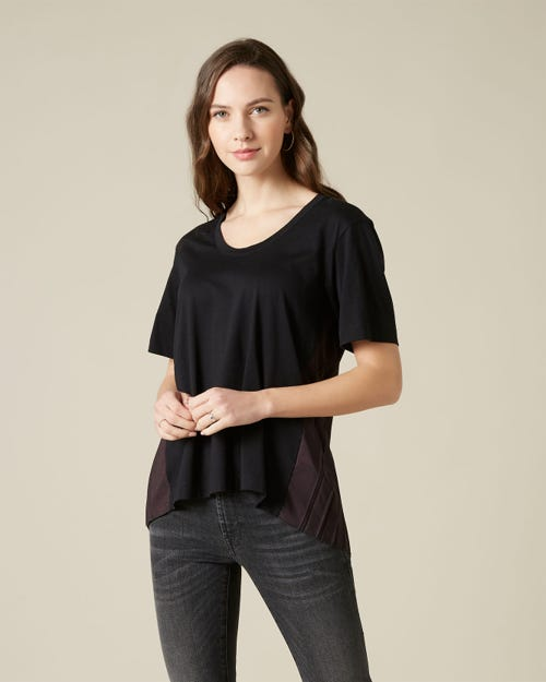 PLEATED U NECK TEE CUTIL BLACK
